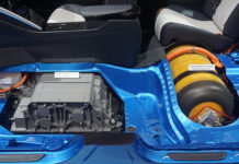 https://commons.wikimedia.org/wiki/File:Toyota_Mirai_fuel_cell_stack_and_hydrogen_tank_SAO_2016_9032.jpg