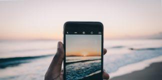 sea smartphone